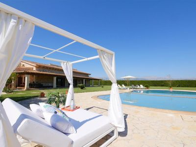 Photo for Large Finca for 8 persons, luxuriously equipped, 20 m pool, fully air-conditione