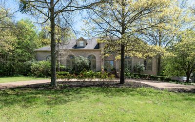 Photo for 5 BEDROOM ESTATE SITTING ON 2 + ACRES. COUNTRY LIVING, BUT 15 MIN TO EVERYTHING!
