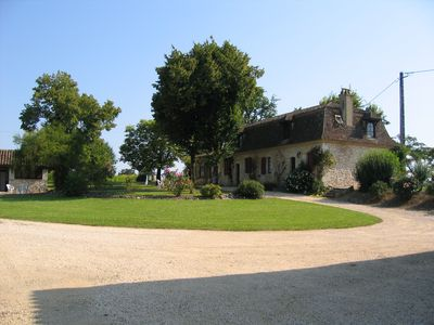 Photo for Old farm between the Dordogne and the Lot-et-Garonne with pool
