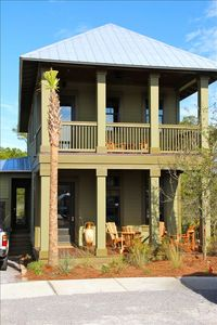 Photo for Immaculate 3 BR/3.5 BA Sleeps 8*Repeat Guests* Winter Monthly Rates