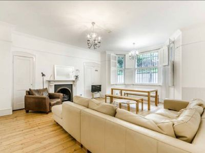 Photo for Beautiful London Home in the Heart of Kensington