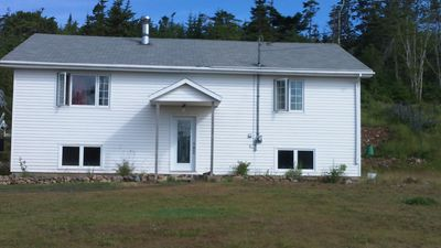 Photo for Amazing Tides Guest House - Whalewatching, hiking Fundy vacation base