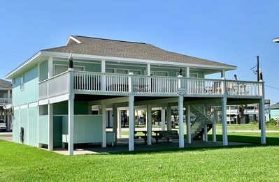 Photo for Always Sunny - Charming house with gulf views and a minute from the Beach!