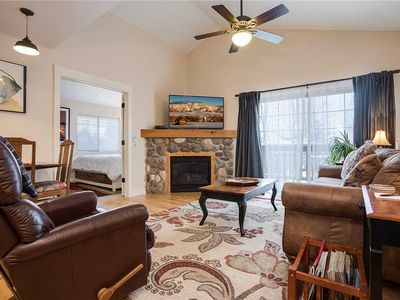 Photo for V1404 ~ Sun filled ~ Top floor Corner Condo ~ Beautifully presented