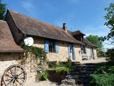 Photo for Stunning Perigord farmhouse  with private pool in peaceful rural location