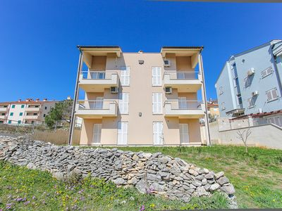 Photo for Great apartment with kitchen, air conditioning, parking and only 500 meters to the nature park Cape Kamenjak