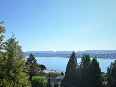 Photo for Stunning lake view serviced flat in Zollikon