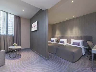 Suite with 3 beds & 1 sofa bed, FREE WiFi & GYM