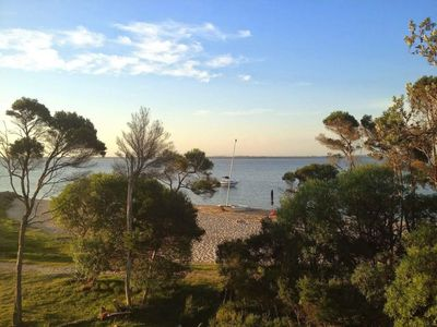 Photo for Lakeside holiday home - right on the beach