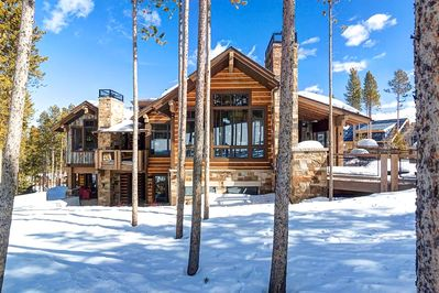 Exterior - This sprawling Mountain mini-resort with spacious decks and patios is a true ski-in/ski-out property located directly on Trygve's Run.