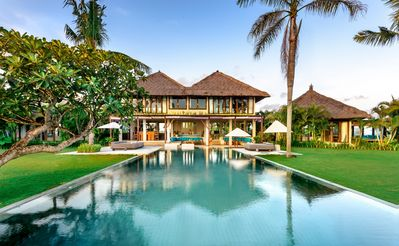 Photo for 6 BEDROOM ABSOLUTE BEACHFRONT VILLA