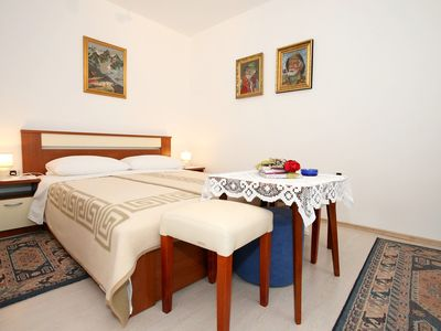 Photo for Rooms & Apartment Albina / Apartment Albina with Terrace in Ground Floor