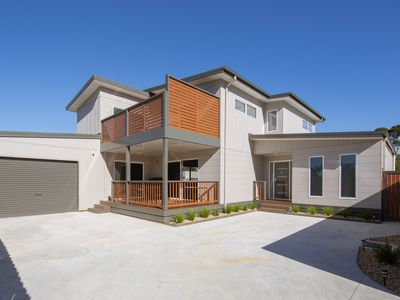 Photo for Luxe on Steele - Cowes, VIC