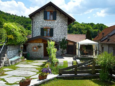 Photo for Independent cottage in Ponte nelle Alpi, with private garden, Wi-Fi and jacuzzi