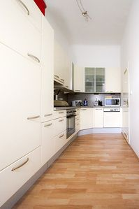 Photo for Apartment near Schönbrunn for up to 4 people, free W-LAN