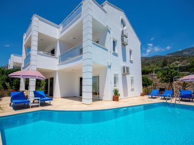 Photo for 4 Bedroom Villa with Private Pool and Great Views