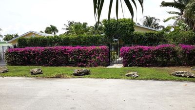Private compound on river, heated pool, proximity to downtown Ft. Lauderdal