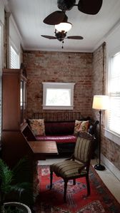 Superb Location-Genuine Savannah Rental experience. Modesty meets Sophistication