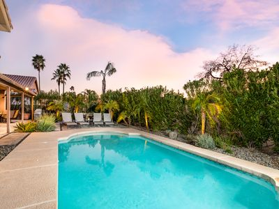 Unbeatable Location, Heated Pool, Relaxing Spa, Fire Pit, Fun Game Room, More