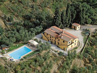 Photo for Comfortable apartment with swimming pool in Farmhouse in Tuscany
