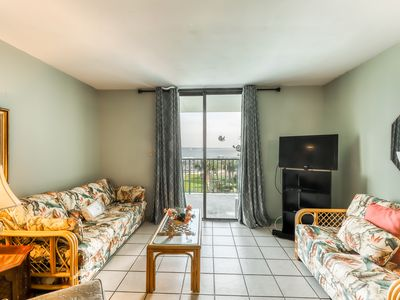 Photo for Bright condo w/ lagoon view & shared pools/hot tub/tennis/beach access!