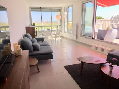 Photo for 32m2 renovated at 50 meters from the beach and shops; Harbor view