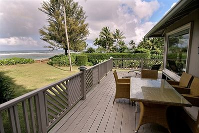 Ocean View Lanai with Table, Chairs and Reclining Loungers. Eat Outside.