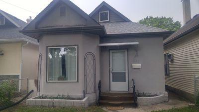 Photo for Granite and Stainless Steel in this Renovated 2 Bedroom House Close to Downtown