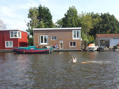 GREAT HOUSEBOAT FOR RENT IN AMSTERDAM!