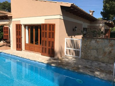 Photo for Spacious villa with pool about 150 meters from the beach