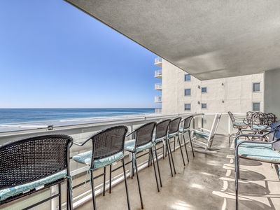 Photo for Gulf-front condo w/ great location, beach access & shared pool/hot tub!