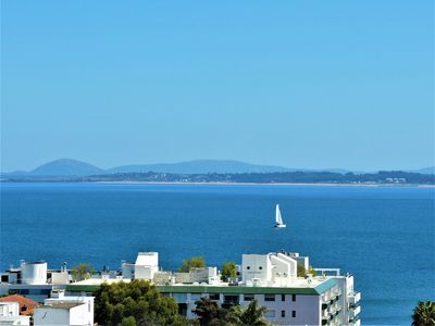 Photo for With a view to the sea in the center of Punta del Este. 08