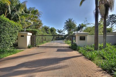 Private gated neighborhood of 12 bluff top homes