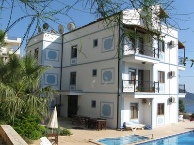 Photo for Deniz Apartment, Lovely 2 bed ground floor apartment with outstanding pool area