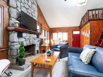 Photo for Newly Renovated Cozy Cottage in Bonnet Shores - Private Neighborhood Beach