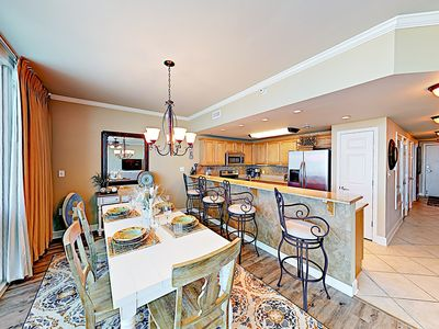 Dining Area - Enjoy home-cooked vacation meals together at the dining table set for 6.