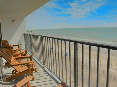 Dec/Jan Open! Completely Remodeled in Sept 2018! Beachfront Condo! Pool! Wifi!