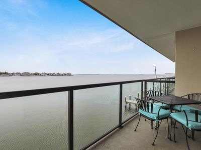 Photo for Newly Remodeled Bayfront! Free Wi-Fi, Pool, Tennis, Walk to Beach/Dining