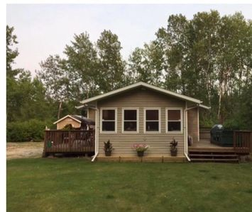 Photo for Beautiful Spacious Cottage With Massive Private Lot!