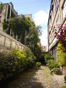 Photo for Small studio in private green alley in the heart of Paris
