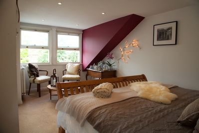 Ultimate luxury with super kind size bed and luxury furnishings