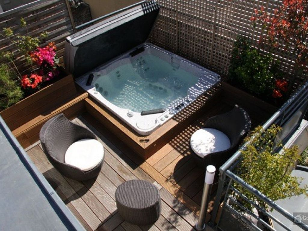 Apartment with jacuzzi and terrace in homeaway petit montrouge - Jacuzzi exterieur 4 places ...