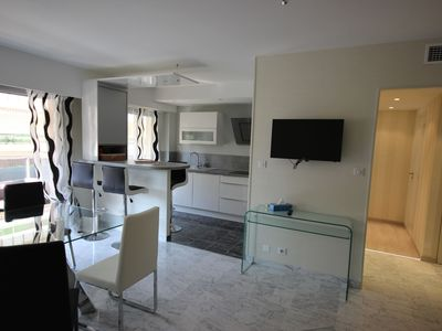 Photo for Beautiful luxury apartment with air conditioning, parking, Imperial Park