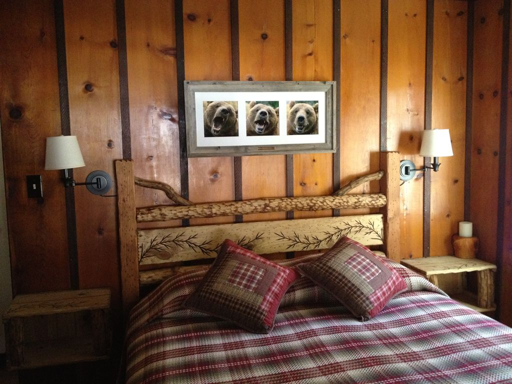 Naughty But Nice Knotty Pine Cabin In The Pines South