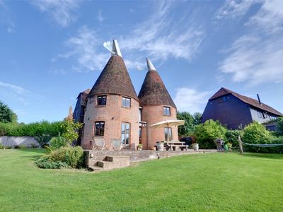 Photo for Hawkridge Oast - Five Bedroom House, Sleeps 12