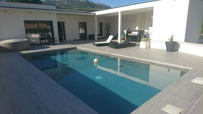 Photo for Air-conditioned contemporary villa with pool