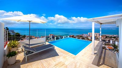 Photo for Amazing PH Ocean & Bay View, 2 Masters, Private Plunge Pool