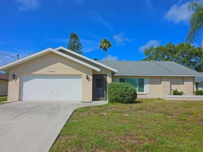 Photo for Cute and cozy, with 2 bedrooms, 2 bathrooms, optional electric heated pool