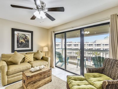 """Photo for 2 POOLS and BBQ GRILL at """"Casa Del Mar 365-Sandpiper""""- FREE ACTIVITIES including a ticket for Schlitterbahn Waterpark per day. Concierge services available."""