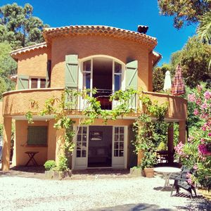 Photo for Garden level Direct access to the beach. 3 stars tourist office STE MAXIME